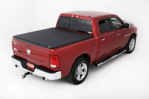 LUND #95865 02-   Dodge Ram 5.5ft Genesis Tonneau Cover