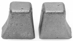 EDELBROCK #2733 Olds Exhaust Crossover heat riser plugs