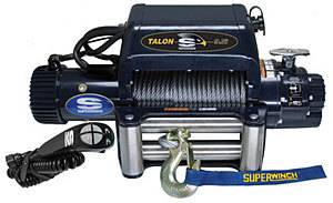 SUPERWINCH #1695210 9500# Winch w/Roller Fairlead & 15ft HH Remot
